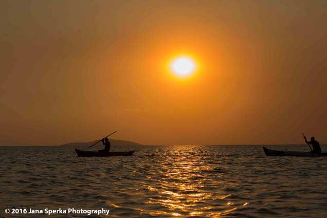 Sunset-Lake-Malawi---fishermanweb